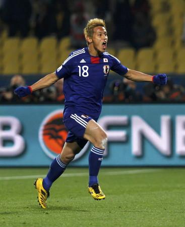 ワールドカップ南アフリカ大会-日本対デンマーク:先制のFKを決めた本田圭佑