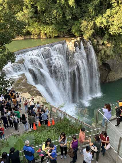 十分瀑布(Shifen Waterfall)