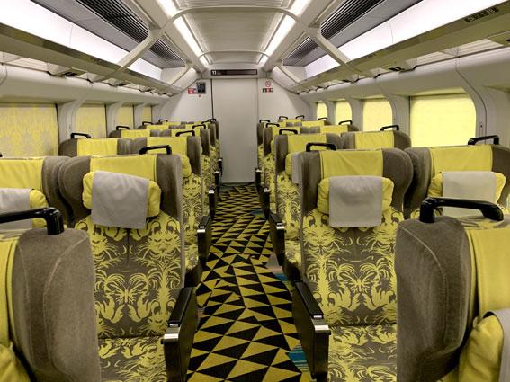 現美新幹線-11号車